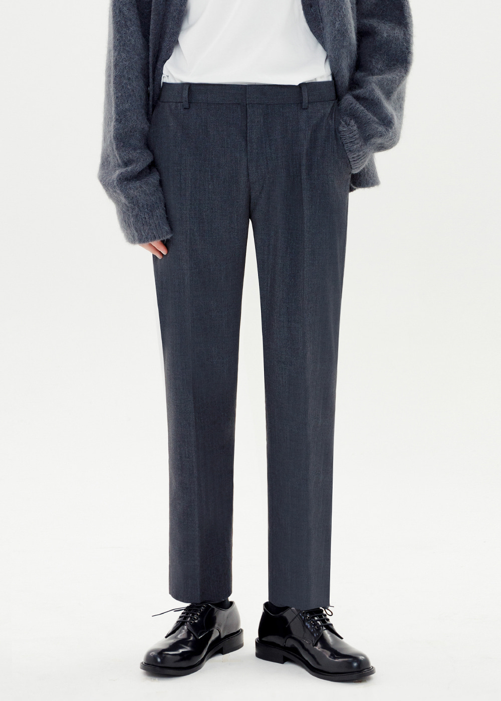 CROP TAPERED SLACKS [CHARCOAL]
