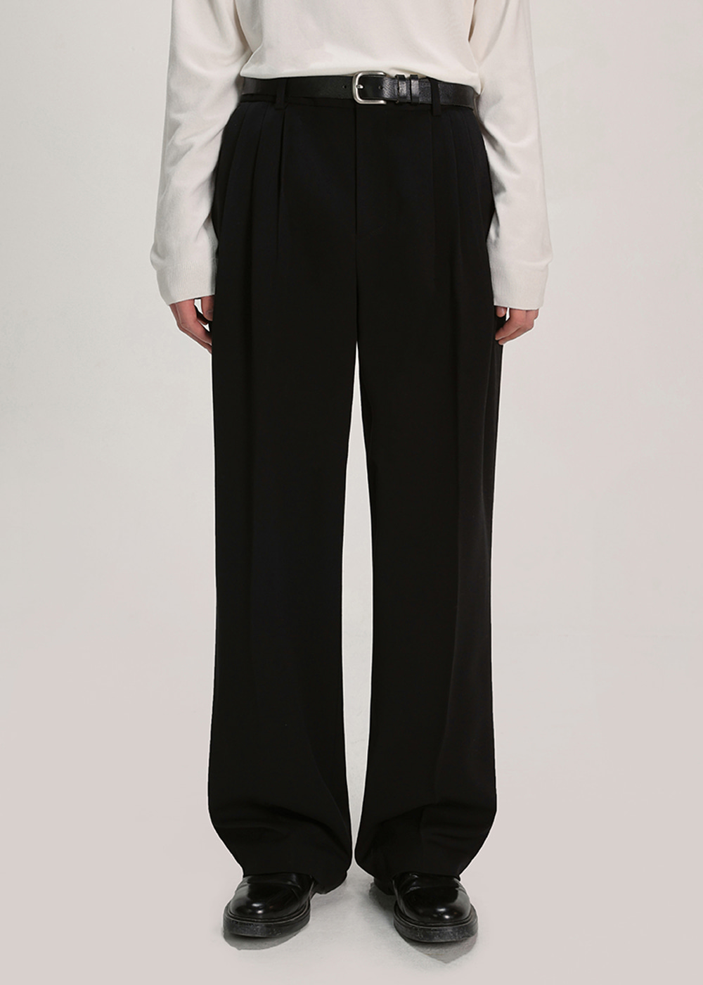 THREE TUCK BALLOON SLACKS [BLACK]