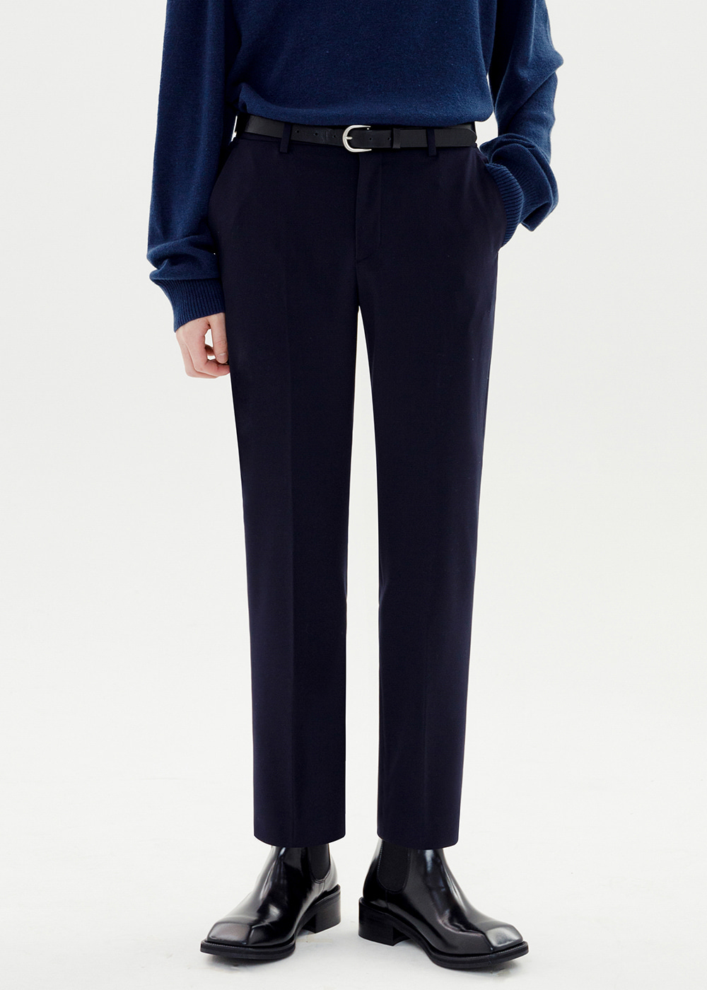 CROP TAPERED SLACKS [NAVY]