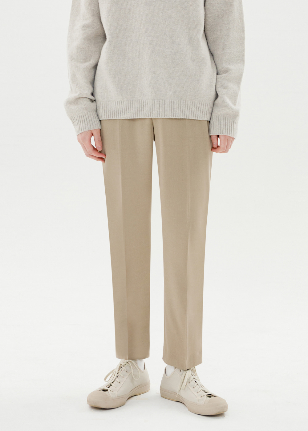 CROP TAPERED SLACKS [BEIGE]