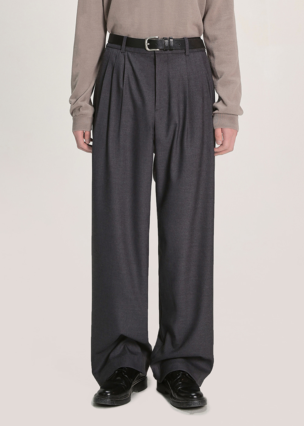 THREE TUCK BALLOON SLACKS [CHARCOAL]
